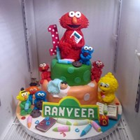Kue Ulang Tahun Elmo 1