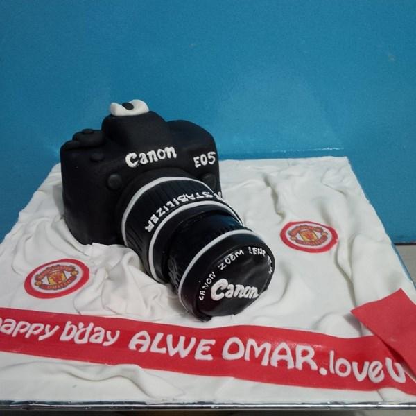 kue bentuk kamera