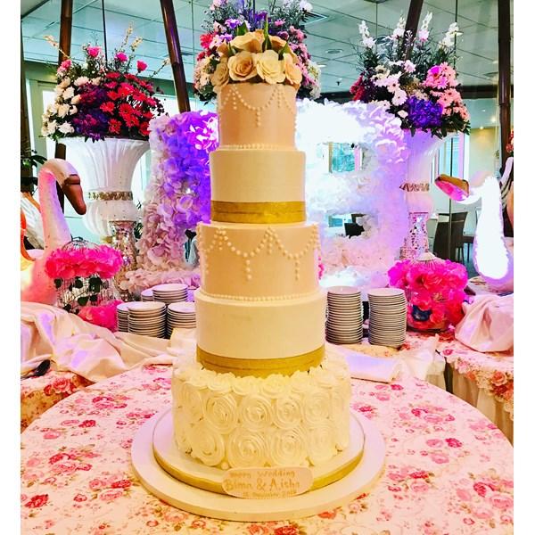 Kue wedding cantik