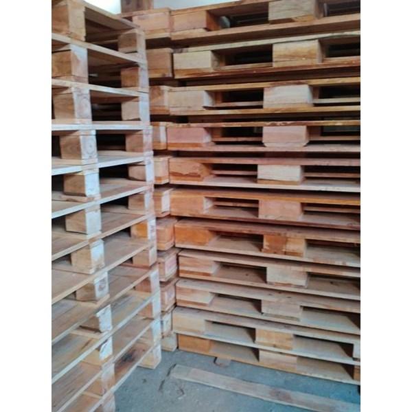 Pallet kayu ukuran 100 X 140 X 14 Cm Twoway double deck