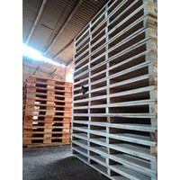 Pallet kayu Twoway double deck