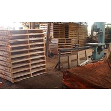 Pallet kayu ukuran 80 X 140 X 14 Cm Fourway