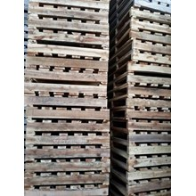 Pallet kayu ukuran 80 X 150 X 14 Cm Fourway