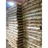 Wooden pallet size 90 X 100 X 14 Cm Fourway