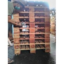 Wooden pallet size 150 X 90 X 14 Cm Fourway