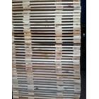 Pallet kayu ukuran 100 X 110 X 14 Cm Fourway 1