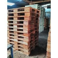 Wooden pallet size 100 X 140 Cm X 14 Fourway