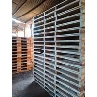 Wooden pallet size 150 X 100 X 14 Cm Fourway