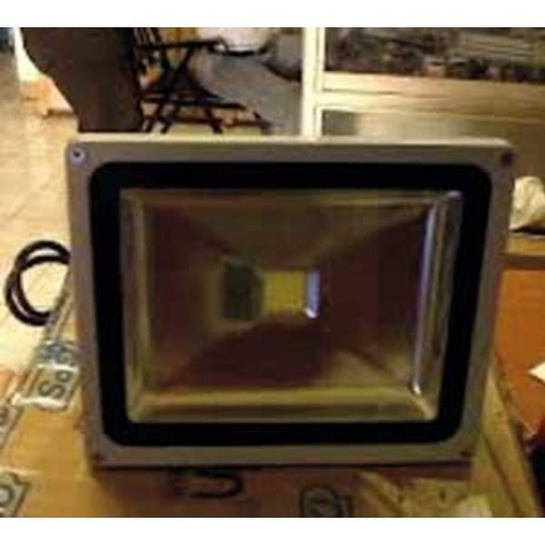 Lampu Sorot LED Solar Flood Light