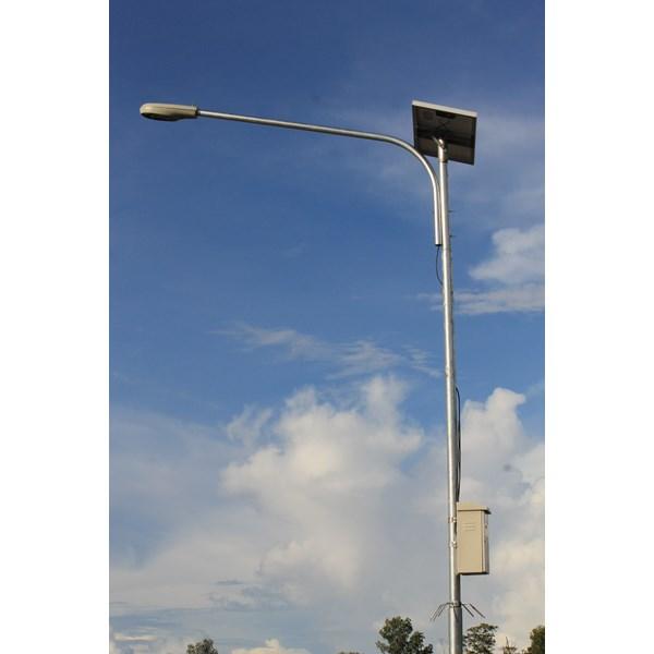 Tiang PJU Tenaga Surya 6m Okta Single Arm Galvanish