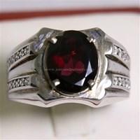 Cincin Permata Natural Garnet 3.63 ct Oval Mixed Brilliant Merah No Treatment 1