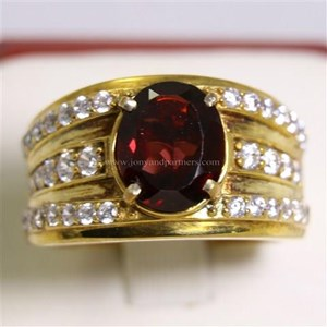Cincin Permata Natural Garnet 3.59 ct Oval Mixed Brilliant Merah No Treatment