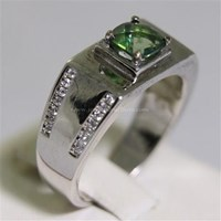 Cincin Permata Natural Green Topaz 1.18 ct Persegi Cushion Checkerboard Hijau Coating 1