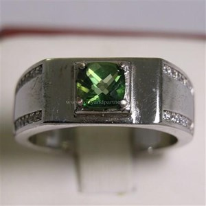 Cincin Permata Natural Green Topaz 1.18 ct Persegi Cushion Checkerboard Hijau Coating