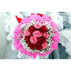 Bunga Hand Bouquet 0012 By PT. Paulina Florist