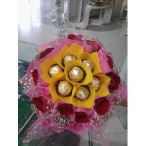Chocolate Hand Bouquet By CV. Paulina Florist
