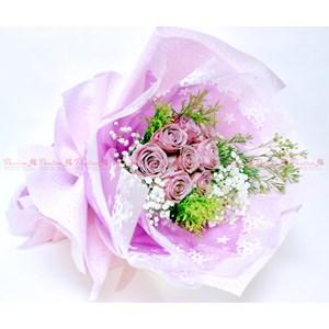 Hand Bouquet By CV. Paulina Florist