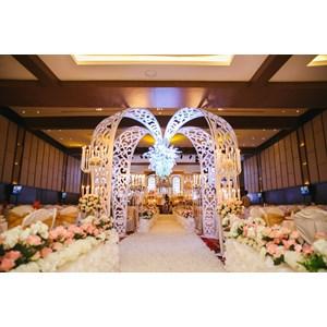 dekorasi pernikahan By PT. Paulina Florist