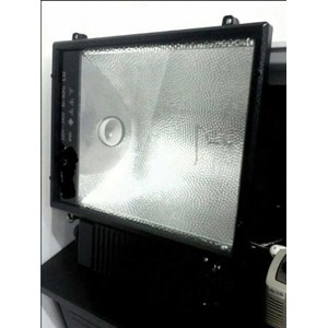 Lampu Sorot 1000W