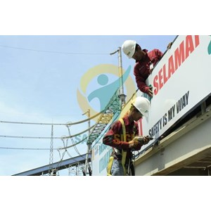 Instalasi Safety Sign / Rambu K3 By Safety Sign Indonesia