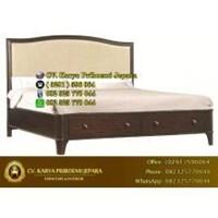 Tempat Tidur Klasik Minimalis