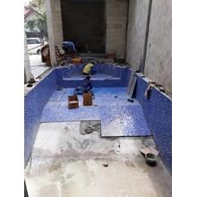 Tukang bangunan konstruksi kolam renang