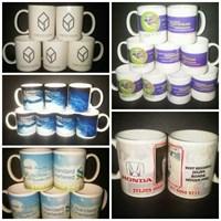 Pembuatan Mug Souvenir  Percetakan Mug Barang Promosi 1