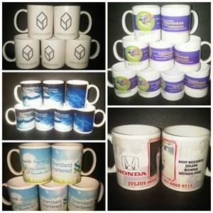 Pembuatan Mug Souvenir  Percetakan Mug Barang Promosi