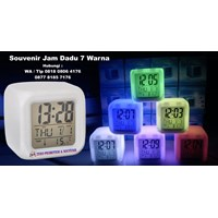 Souvenir Jam Promosi Dadu 7 Warna Plus Alarm Dan T