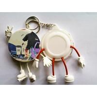 Distributor  Barang Promosi Perusahaan Gantungan Kunci Pin Kaki Tangan 3