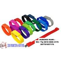 Barang Promosi Perusahaan Souvenir Usb Flashdisk Gelang Silicone Fdbr01  1
