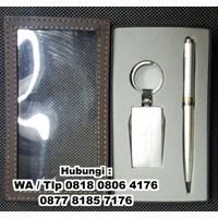Barang Promosi Perusahaan Gift Set 2In1 Premium Pulpen Ganci Kode 01