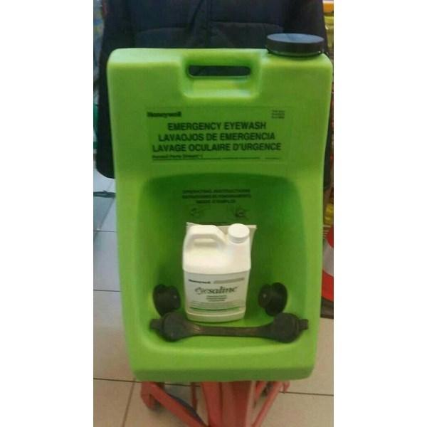 Emergency eye wash portastrim 1
