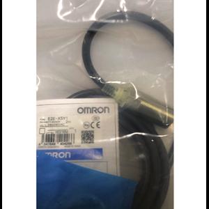 Cylindrical Proximity Sensor OMRON E2E-X5Y1