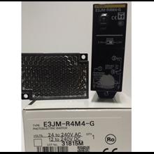 Built-in Supply Photoelectric Sensor OMRON E3JM-R4M4-G