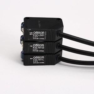 E3Z-LS61 2M OMS PHOTOELECTRIC SENSOR (aksesoris listrik)