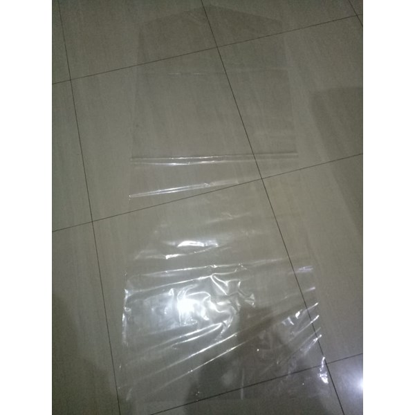 Plastik Gaun dan Jas