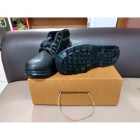 Safety shoes standard ISO 20345:2004 CAP