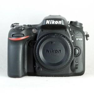 USED : NIKON D7100 BODY ONLY BOX MULUSSSSS ISTIMEUWAHHHH!!! SURABAYA!!!!