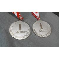 Medali Logam