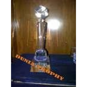 TROPHY KRISTAL DIAMOND