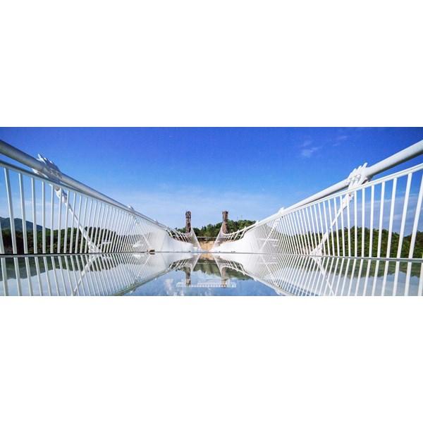 Foto Dari 5D Hongkong Pearl Delta Glassbridge Periode Jul - Sep18 (WH01) Start From IDR 9.000.000 /pax 0