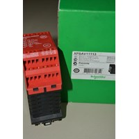 Safety Relay Schneider XPSAV11113 1