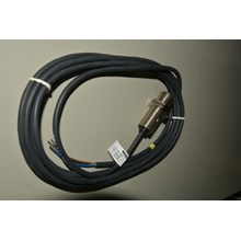 Balluff proximity sensor BES516-326-DO-L-PU 18mm PNP-NO sensing 5mm