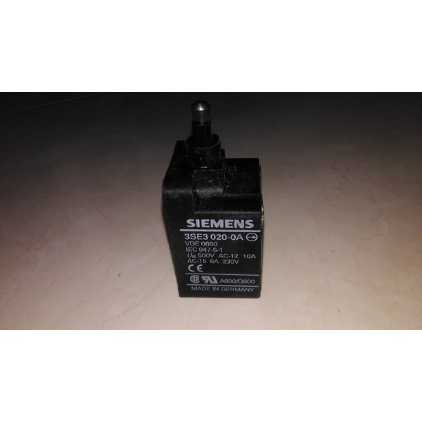 Limit Switch SIEMENS 3SE3 020-0A