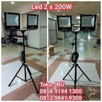 Lampu Sorot LED 2 x 200W Plus Tripod