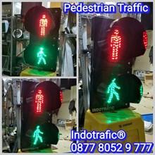 Lampu Traffic Light  Penyebrangan Jalan