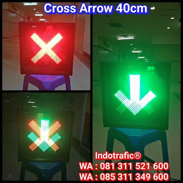 Lampu Traffic Light LLA 40cm
