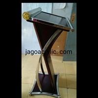 Podium kayu & stainless P18