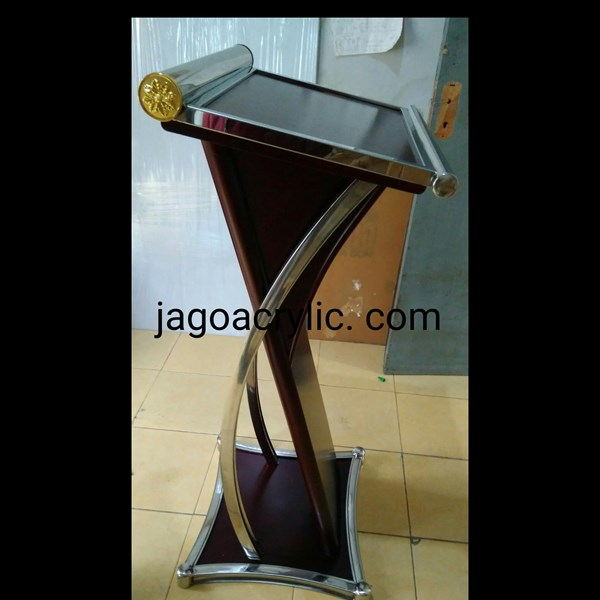 Podium kayu & stainless P18